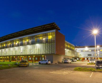 Centre_hospitalier_Andree-Rosemon-04